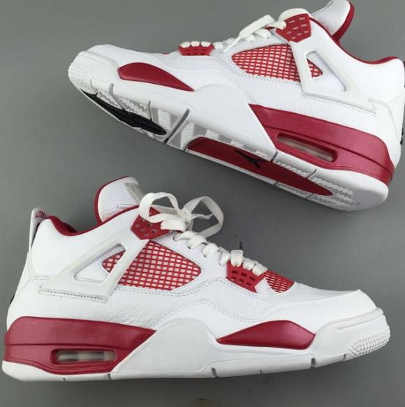 An Up Close Look At The 'Alternate 89' Air Jordan 4 Retro 1