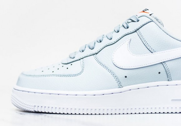 "Nike Air Force 1 Low ""Pure Platinum"" 1"