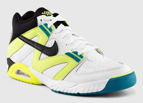 Nike Air Tech Challenge 3 Volt Radient Emerald lateral side