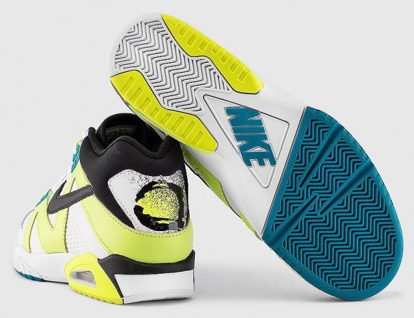 Nike Air Tech Challenge 3 Volt Radient Emerald outsole and heel