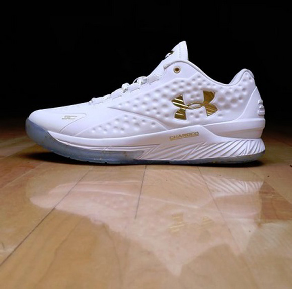 Under Armour Curry One Low 'Friends & Family Championship PE 1