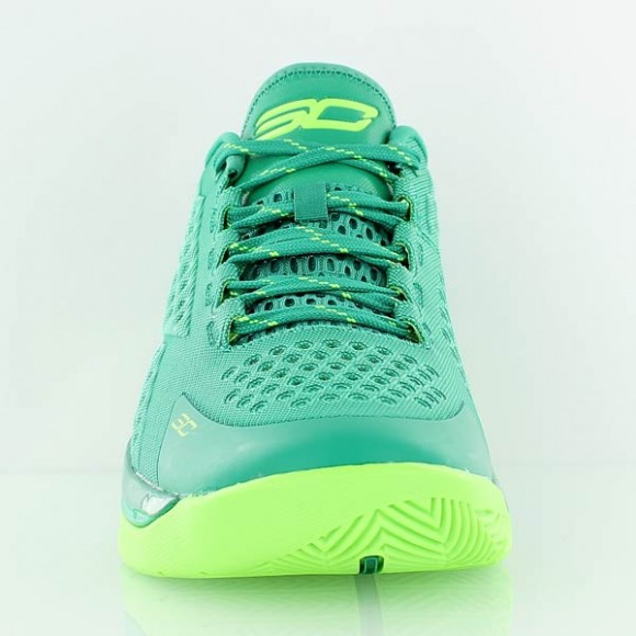 You Can Buy The Under Armour Curry One Low 'Golf' Now 2