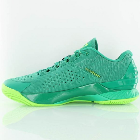 You Can Buy The Under Armour Curry One Low 'Golf' Now 3