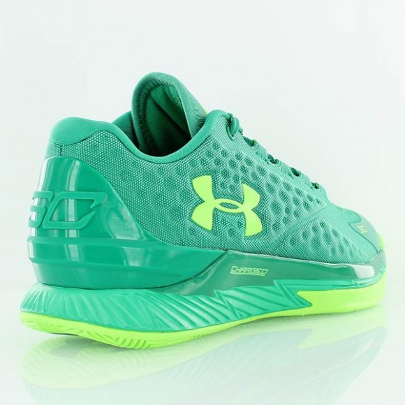 You Can Buy The Under Armour Curry One Low 'Golf' Now 4