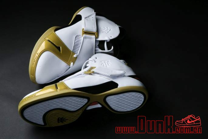 Get Up Close And Personal With The White: Gold adidas T-MAC 5 Retro 12