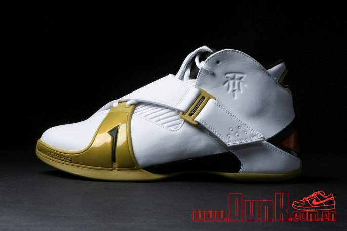 Get Up Close And Personal With The White: Gold adidas T-MAC 5 Retro 2