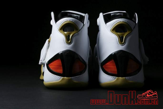 Get Up Close And Personal With The White: Gold adidas T-MAC 5 Retro 5