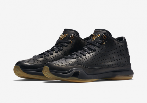 Nike Kobe 10 Mid EXT 'Black:Gum' – Official Look 1