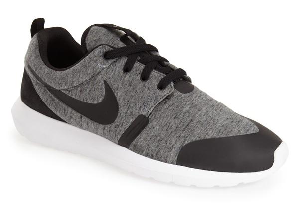 Nike 'Tech Pack' Roshe NM