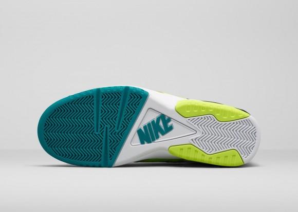 The Nike Air Tech Challenge III & Air Oscillate Make Their Glorious Comeback-6
