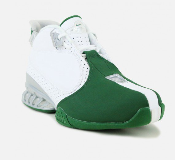 The Nike Air Zoom Vick 2 'Jets' Have Arrived-1