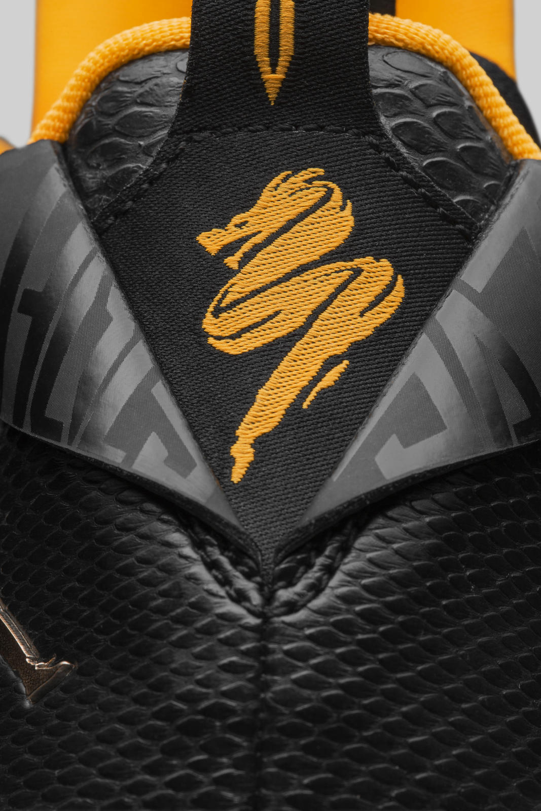 Jordan CP3.IX yellow dragon heel logo