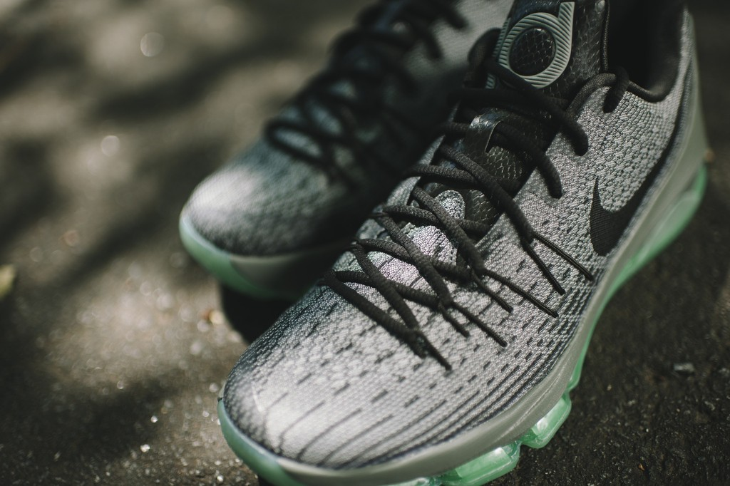 Nike KD 8 'Hunt's Hill Night' up close