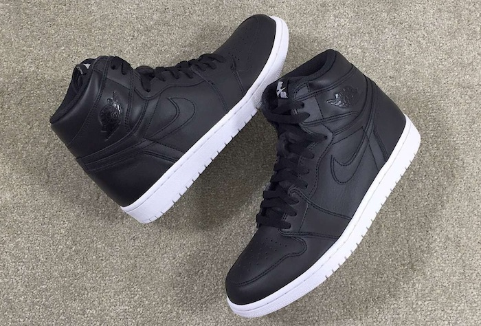 air-jordan-1-og-black-white-cyber-monday-3