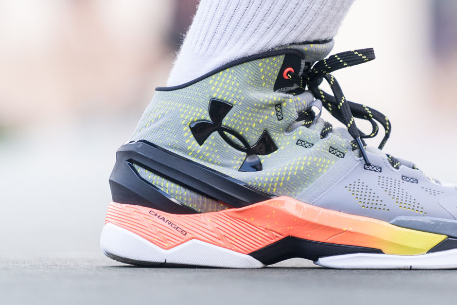 under-armour-curry-two-iron-sharpens-iron-details-09