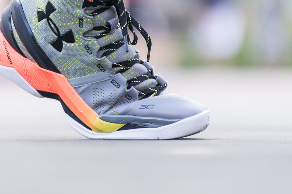 under-armour-curry-two-iron-sharpens-iron-details-10