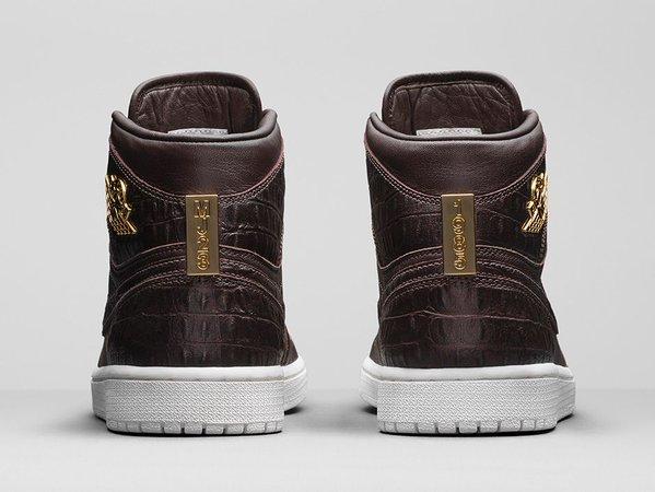Air Jordan 1 Pinnacle 'Baroque Brown' heel