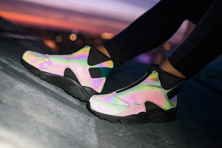 Nike Air Huarache Run Mid 'Iridescent'
