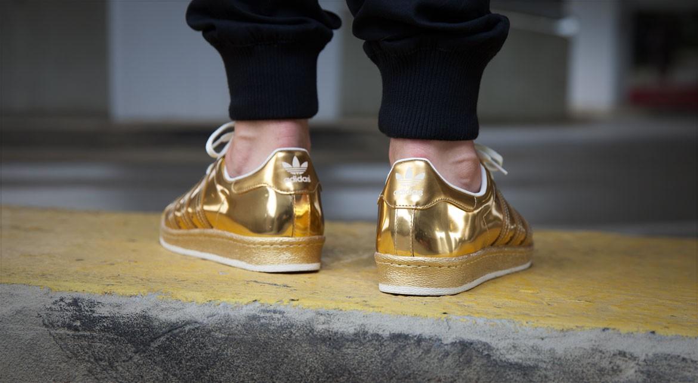 afew-store-sneaker-adidas-superstar-80s-metal-gold-met-goldmet-offwhite-18