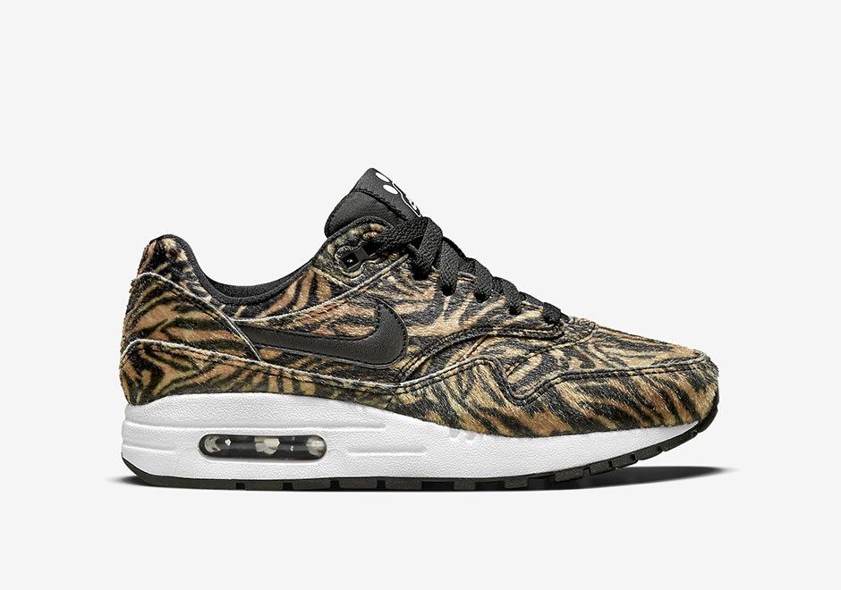 nike-air-max-90-wmns-zoo-pack-tiger-2
