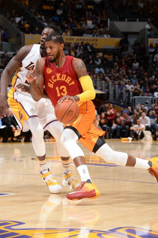 separation shoes 75817 2d8c2 Paul George Wears a PE of the Nike Hyperdunk 2015 Low-2 ...
