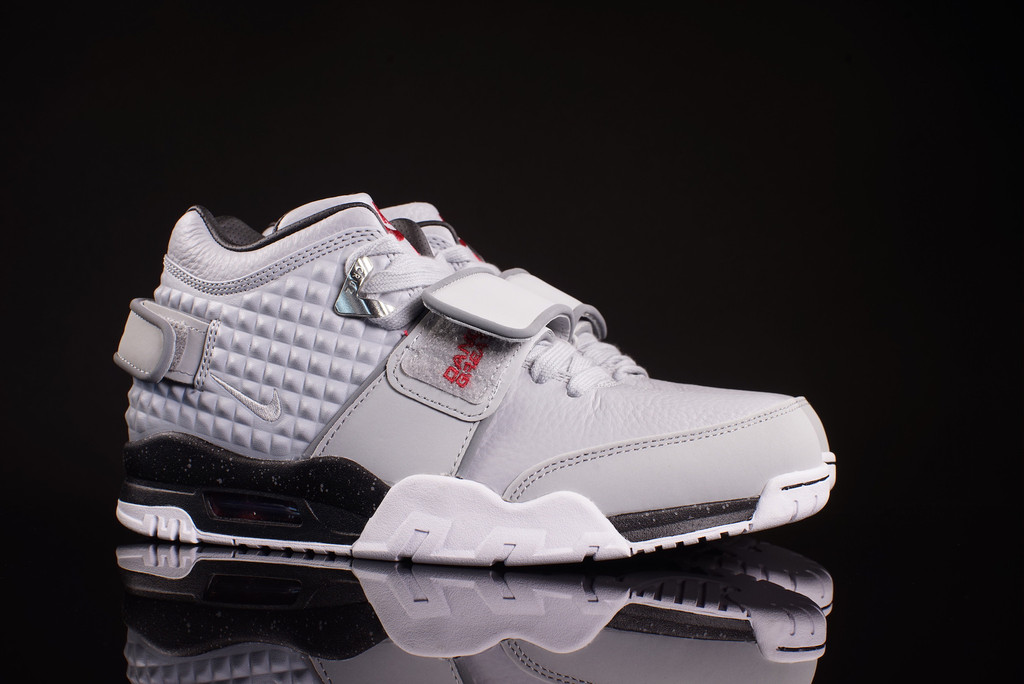 Check Out the Nike Air Trainer Cruz in this 'Wolf Grey' Colorway-3