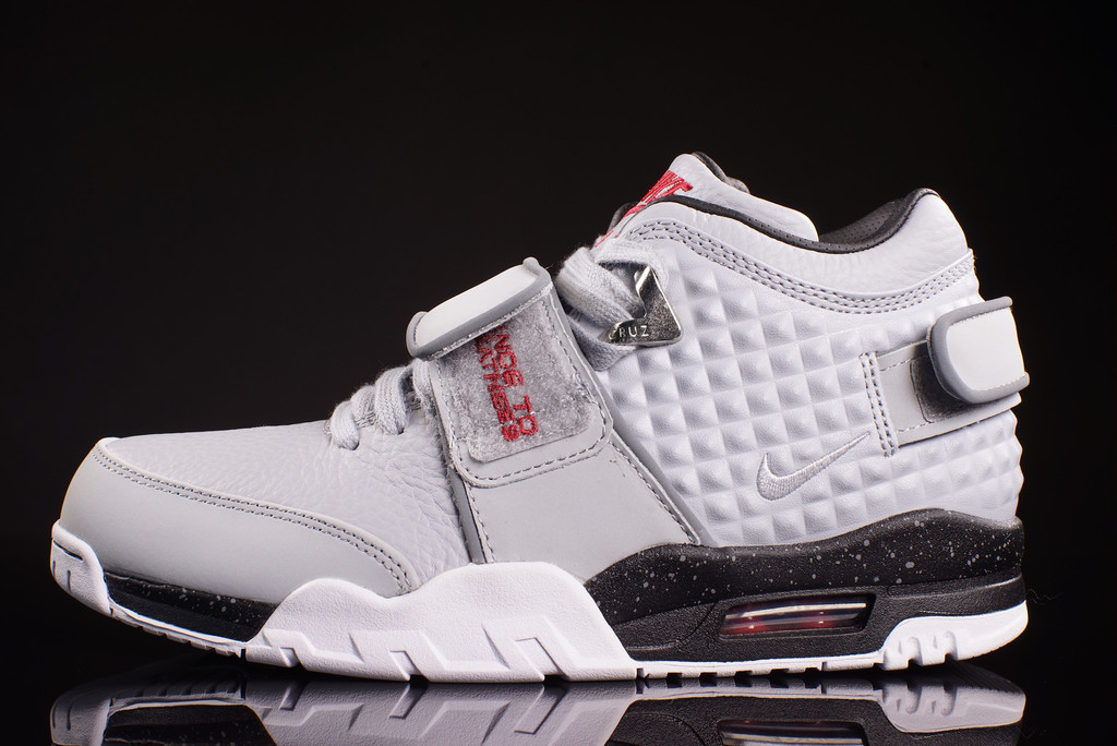 Check Out the Nike Air Trainer Cruz in this 'Wolf Grey' Colorway1