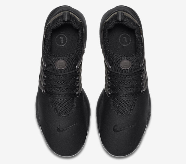The Nike Air Presto Gets the 'Blackout