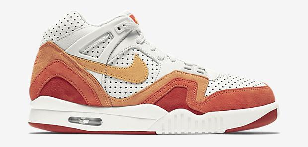Nike-Air-Tech-Challenge-II-QS-Mens-Shoe-667444_008_A_PREM