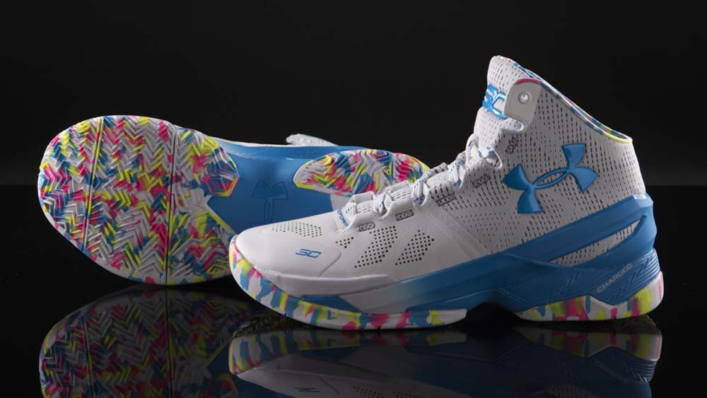 Get Up Close and Personal with the Under Armour Curry 2 'Surprise Party' 2
