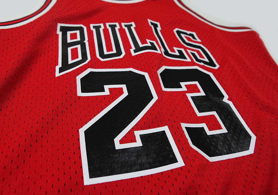 Mitchell & Ness is Releasing the Jersey Jordan Wore During his 63 Point Explosion-3