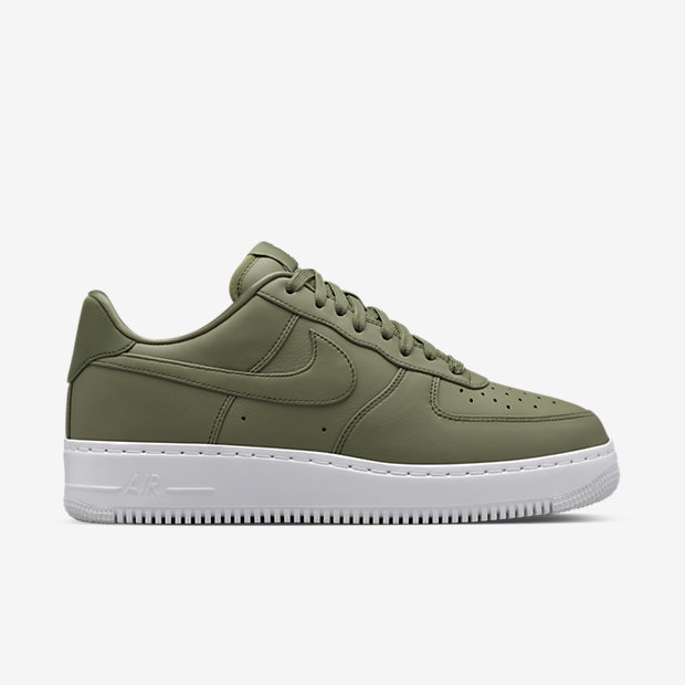 Nike-Air-Force-1-Comfort-Low-Menaposs-Shoe-555106_300_A_PREM