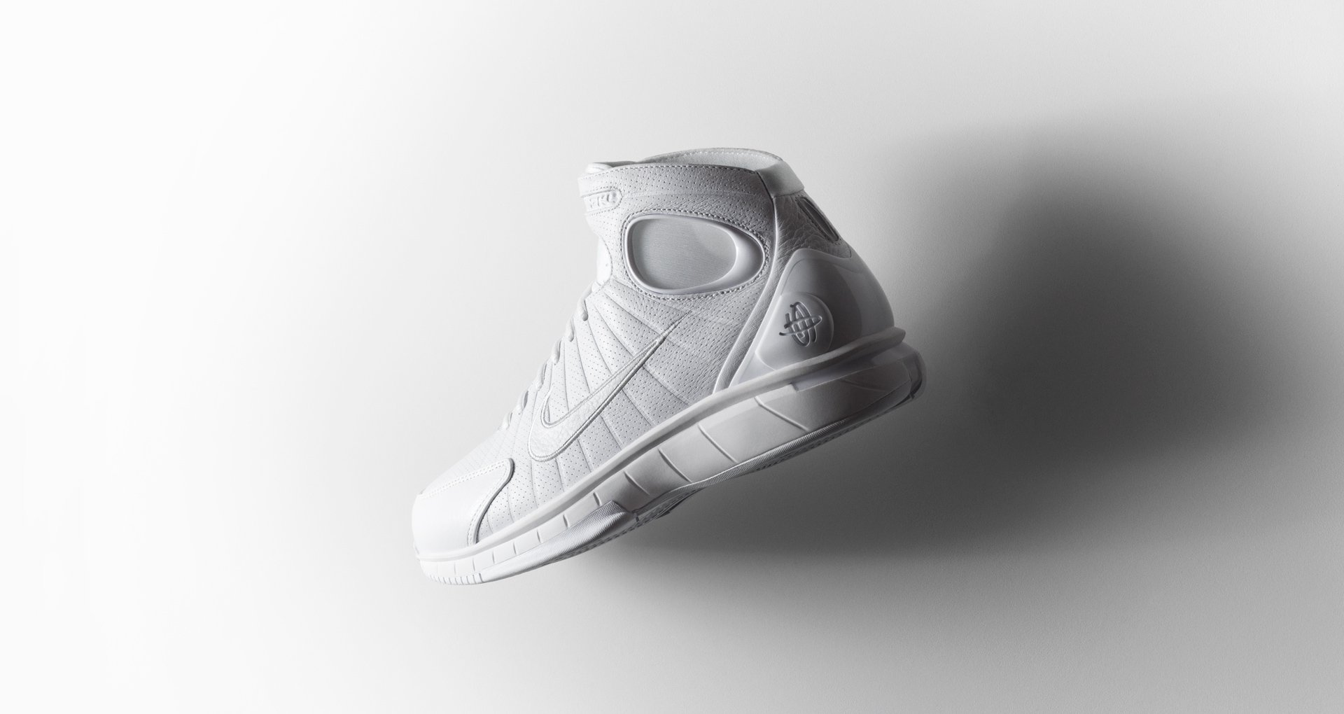 Nike Huarache 2k4 'Black Mamba' Face to Black Kobe Bryant lateral