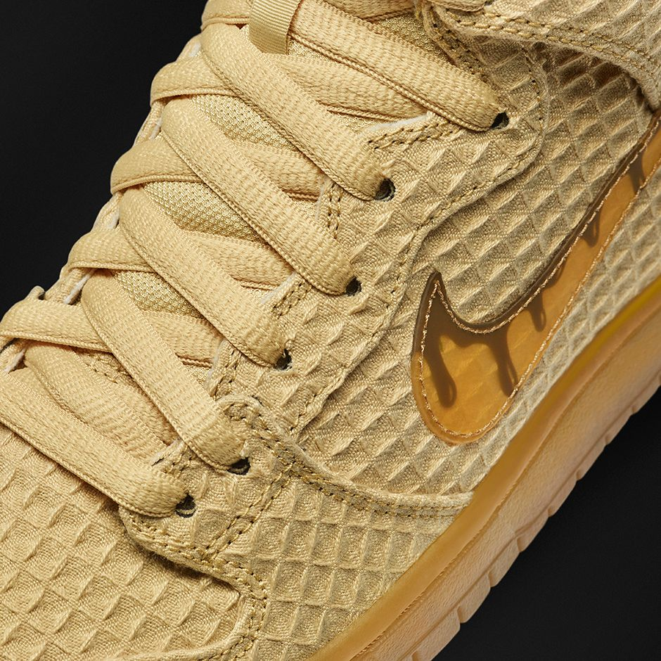 Nike Dunk High SB 'Waffle' close up