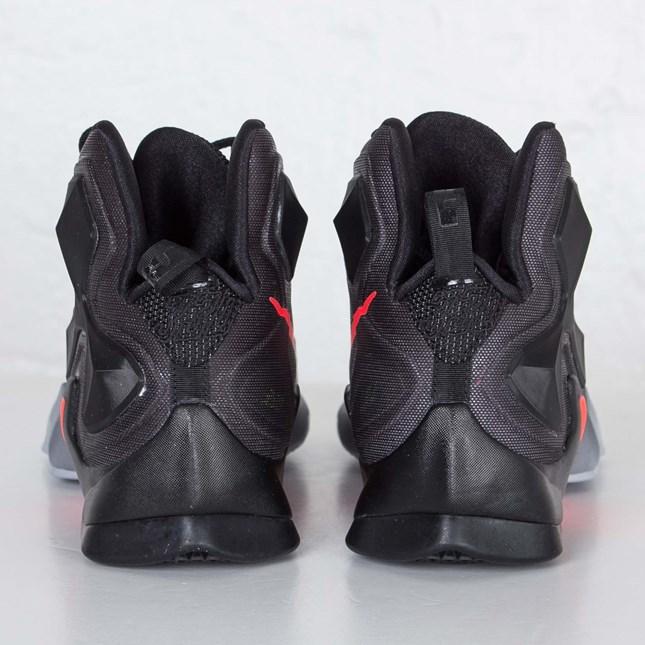Nike LeBron 13 'On Court' heel