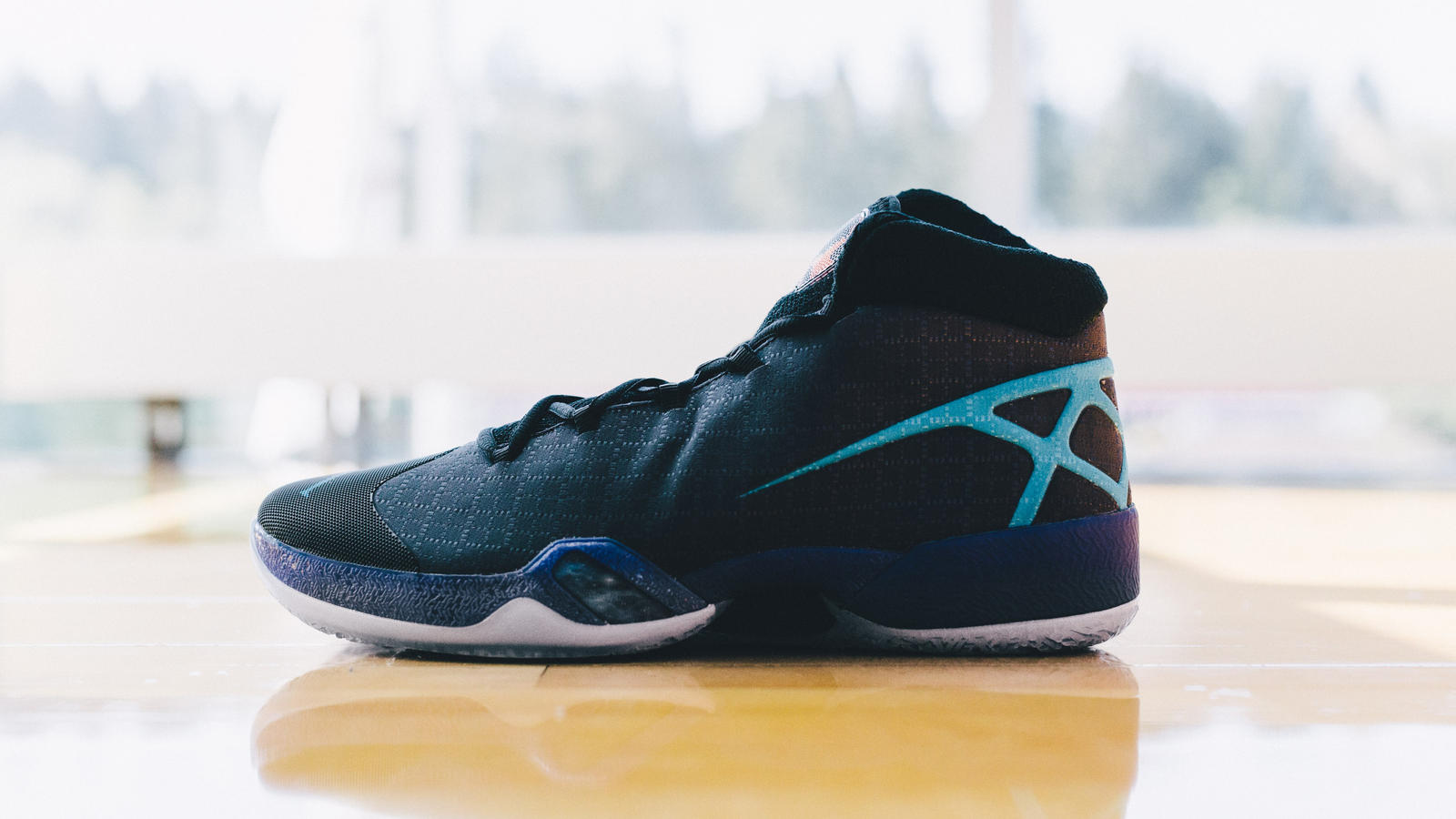 Take a Detailed Look at these Air Jordan XXX Playoff PE's-12