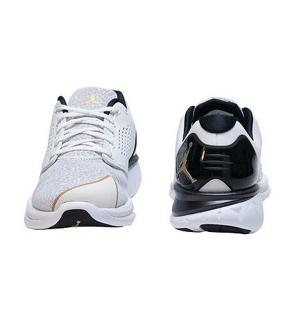 The Jordan Flight Runner 3 Now Comes With a Touch of Gold 2