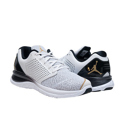 The Jordan Flight Runner 3 Now Comes With a Touch of Gold 3
