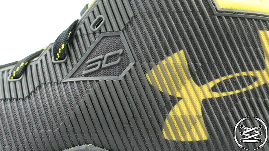 Under Armour Curry 2 5 Black Taxi | Detailed Look and Review 3
