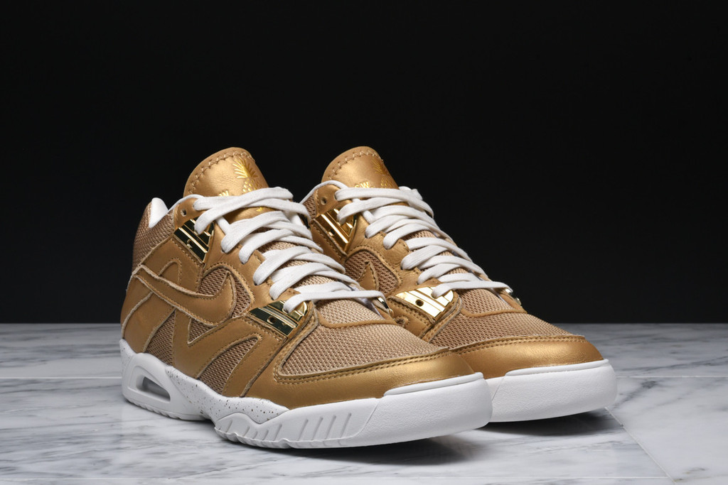 Nike-Air-Tech-Challenge-3-Metallic-Gold-2