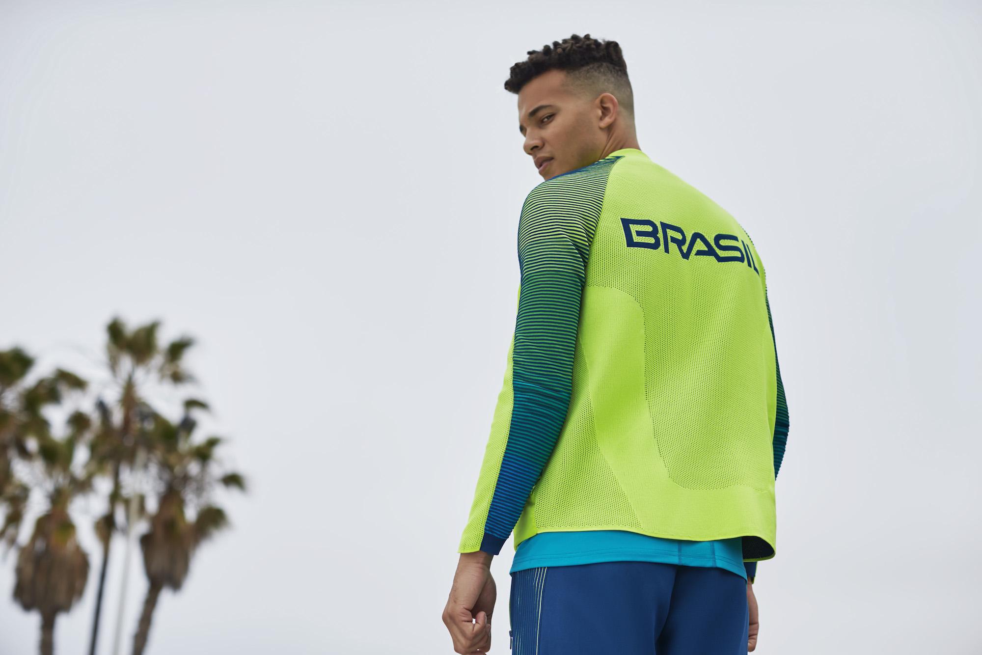 NikeLab Dynamic Reveal Jacket 15