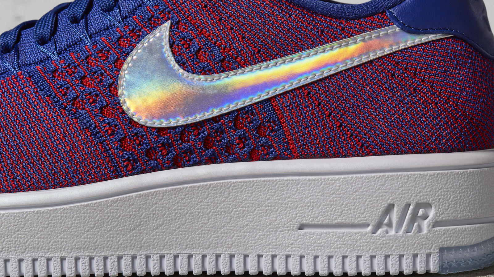 The Nike Air Force 1 Ultra Flyknit Low Gets a 'USA' Colorway-4