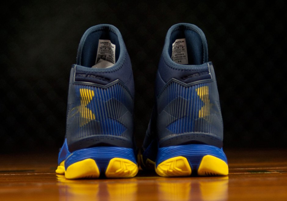 Under Armour Curry 2.5 'Dub Nation' back heel