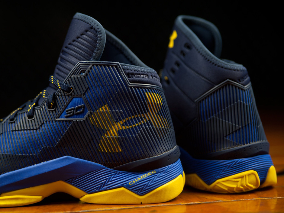 Under Armour Curry 2.5 'Dub Nation' up close