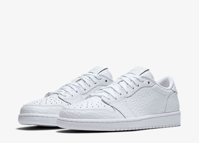 Air Jordan 1 Low Swooshless – Full View