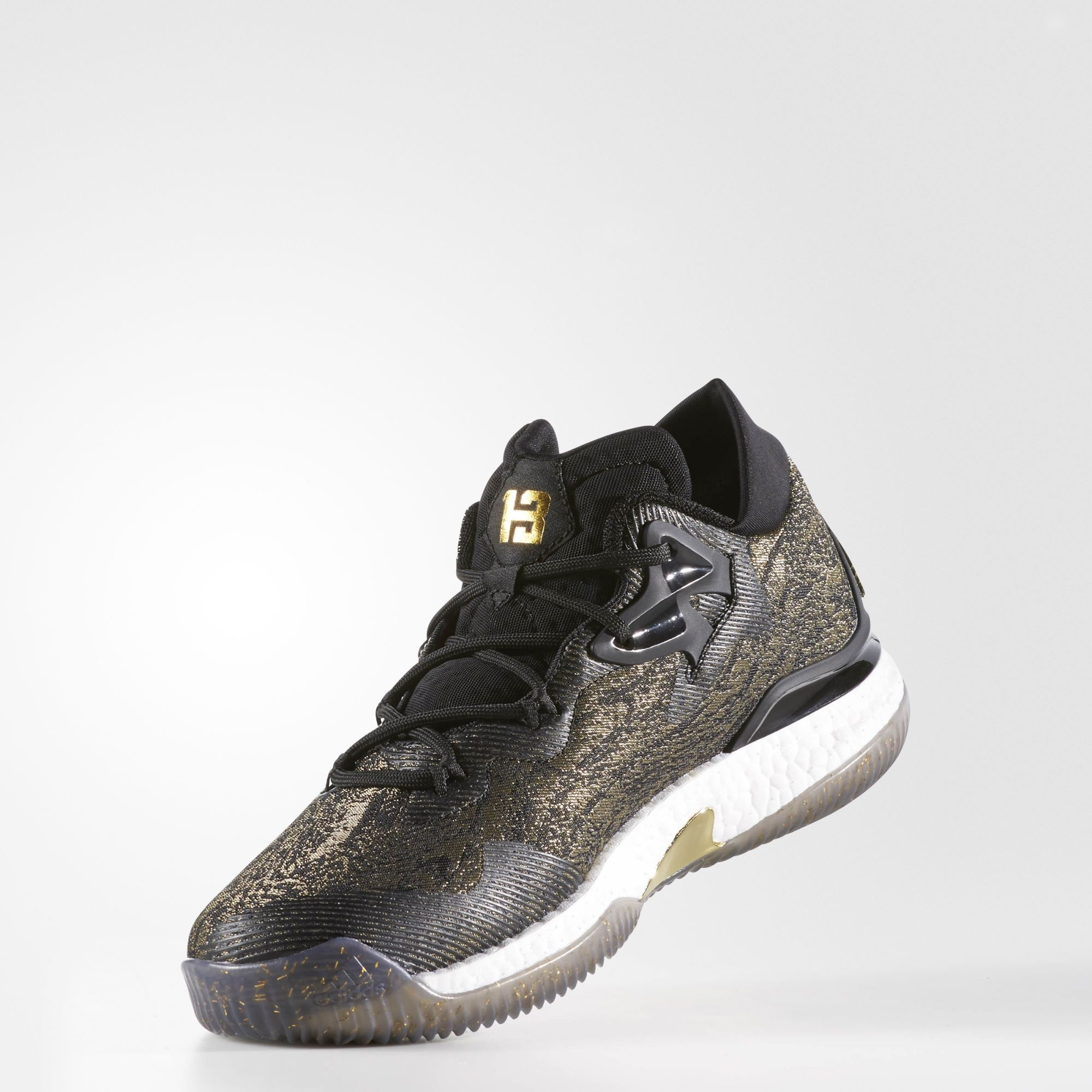 Adidas Crazylight Boost 2016 – Black-Gold-Angle