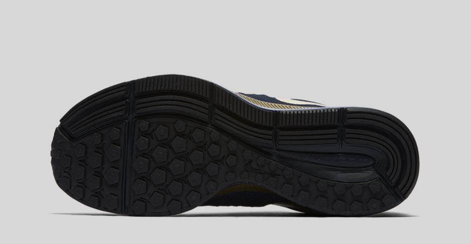 Nike Air Zoom Pegasus 33 LE Michael Johnson 3