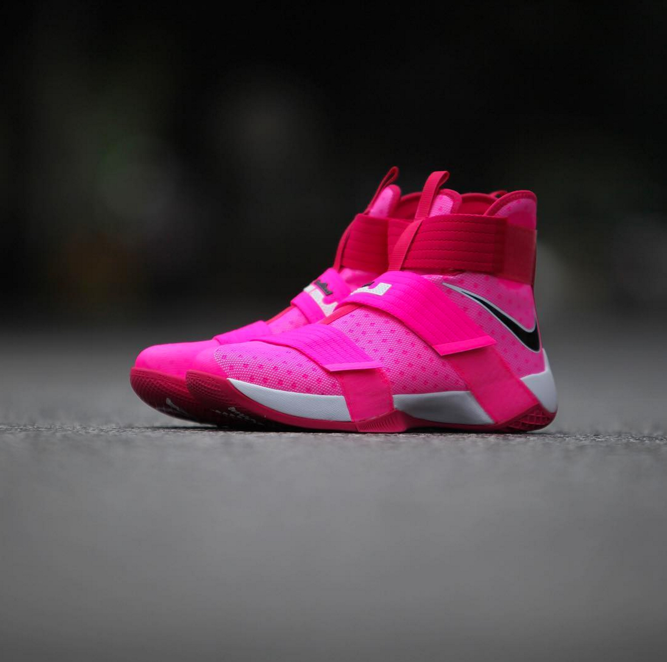 newest 0e05d 03787 nike lebron soldier 10 breast cancer 1 - WearTesters