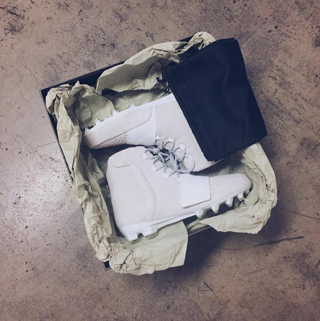 adidas-yeezy-350-cleat-3