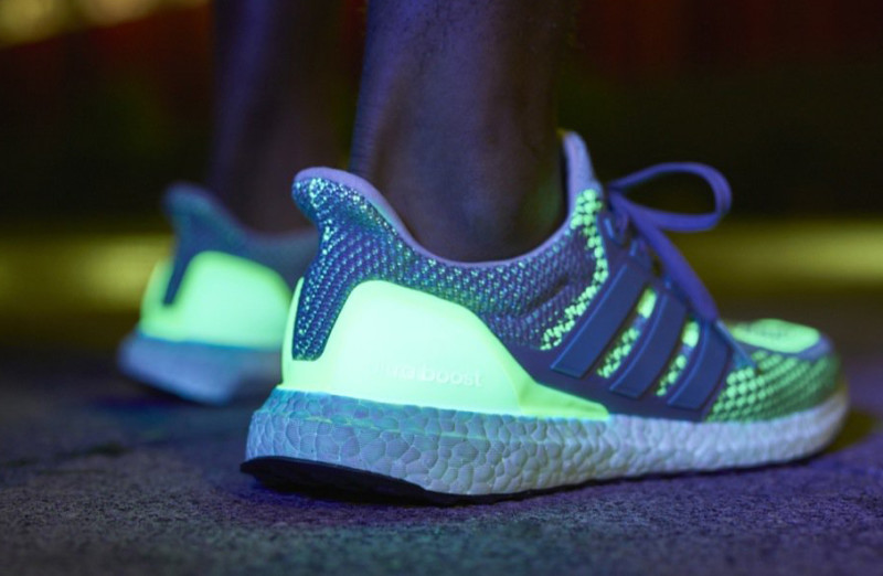 adidas-ultra-boost-atr-glow-in-the-dark